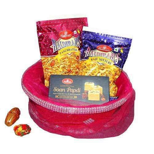Haldiram's Hamper With Basket - USA Delivery Only